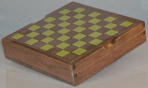 >Checkers